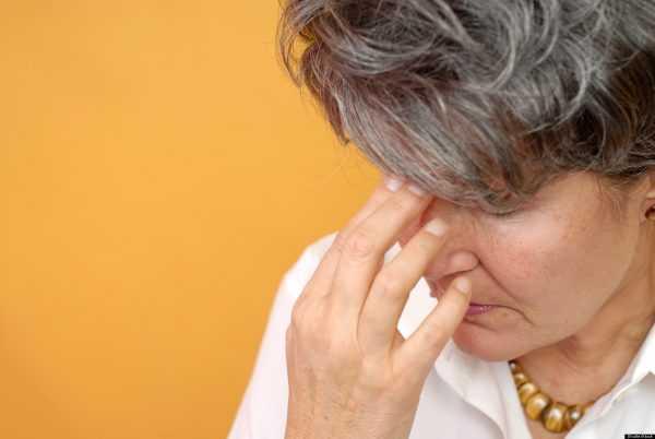 Почему голова трясется и как лечить патологический процесс